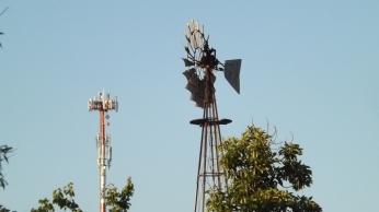 Antena Celular y Molino en Villa Alemana