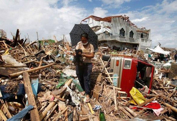El Tifón Haiyan devastó el Sudeste Asiático el 2013, principalmente a Filipinas, matando cerca de a 6.300 personas.
